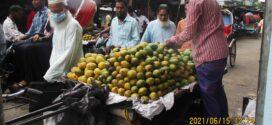গাড়ী ও ব্যবসায়ীদের দখলে পৌর-শহরের রাস্তাঘাট চলাচলে দুর্ভোগ বরগুনায় পথচারীরা