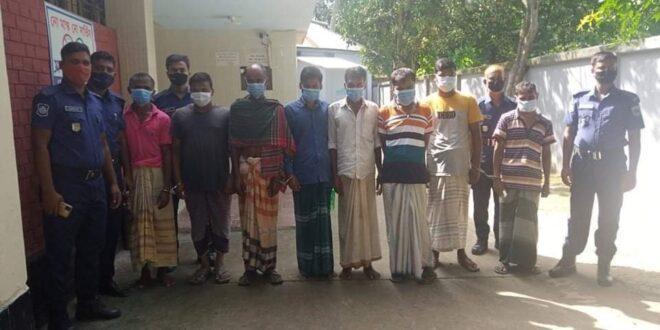 সিরাজগঞ্জের কামারখন্দে ৮ জুয়ারিকে আটক করেছে পুলিশ