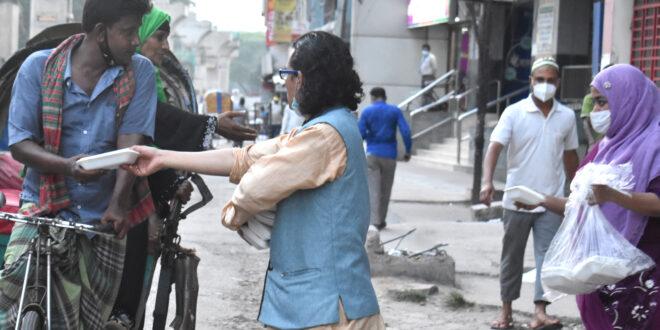 শ্রমিকদেরকে দ্রুত টিকা দিন : মোমিন মেহেদী