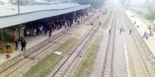 বন্ধ স্টেশনগুলো আধুনিকায়ন হলেও অবহেলিত ব্যস্ততম নাঙ্গলকোট রেলওয়ে স্টেশন